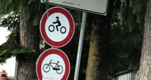 Cartelli divieto di transito a motocicli